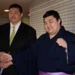 コロッケの息子 琴滝川 相撲取りとして白星デビュー!父親にそっくり!!
